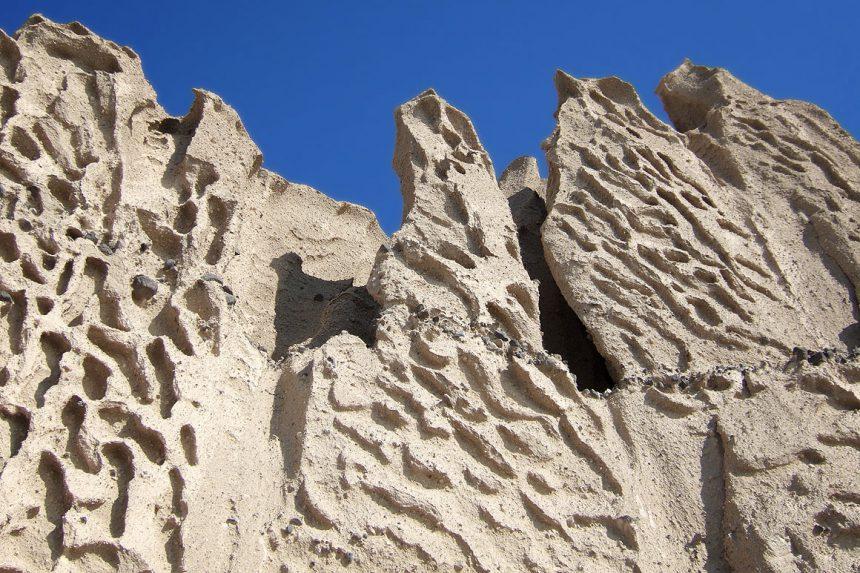 Каменные узоры на пляже Влихада, Санторини