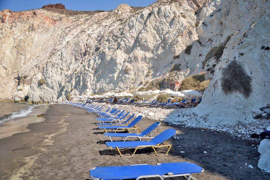 Белый пляж Санторини.