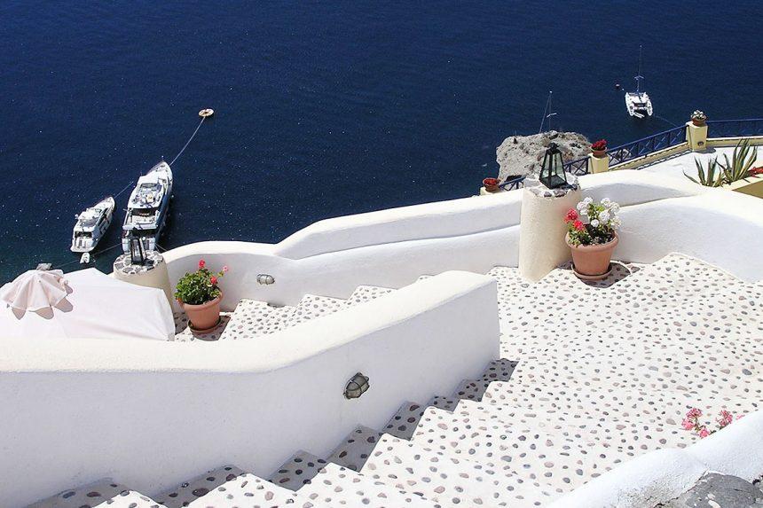 Белоснежные лестницы в Ия, Санторини