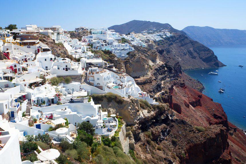 Вид на деревню Ия с северной стороны острова Санторини